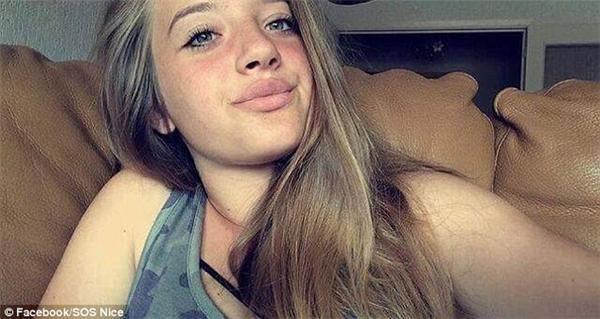 Laura Borla(14 tuổi) mất liên lạc sau thảm sát.