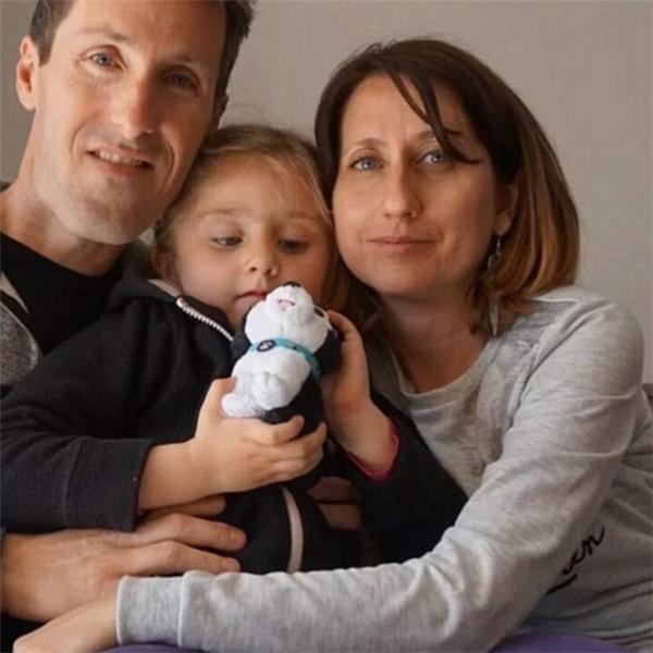 Người thân đã mất hoàn toàn liên lạc vớiAlexandre Torre, Christelle Nunez và con gái Lous sau vụ tấn công.