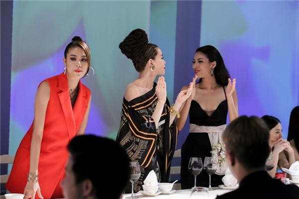 Chiến thắng trong phần thi này thuộc về đội Phạm Hương với số lượt bình chọn là 13. 2 đội còn lại của Hồ Ngọc Hà và Lan Khuê đều có 9 phiến bầu.