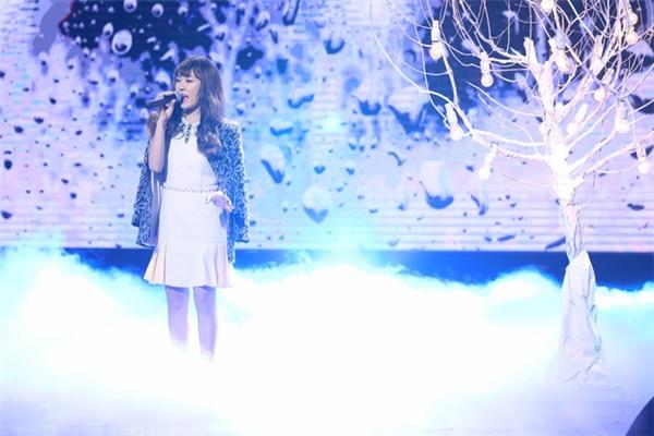 Đêm thi này, Hoàng Yến Idol đã xuất sắc lấy lại phong độ khi giành điểm cao nhất là 29,5 điểm và khán giả tiếc nuối khi phải chia tay cùng Thu Hoà (thí sinh hoá thân thành Hari Won).