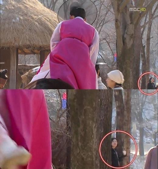 """Cũng trong""""The moon embracing the sun"""", một người phụ nữ hiện đại tóc ngắn đã lạc bước vào thời Joseon."""