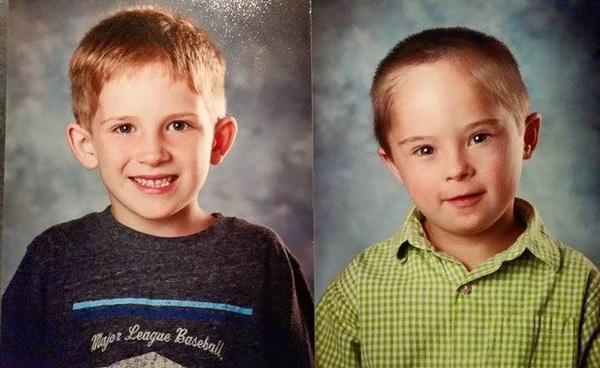 Hai anh em có nhiều nét giống nhau trên gương mặt.