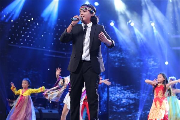 Hồ Văn Cường trở thành Quán quân Thần tượng âm nhạc nhí 2016 - Tin sao Viet - Tin tuc sao Viet - Scandal sao Viet - Tin tuc cua Sao - Tin cua Sao