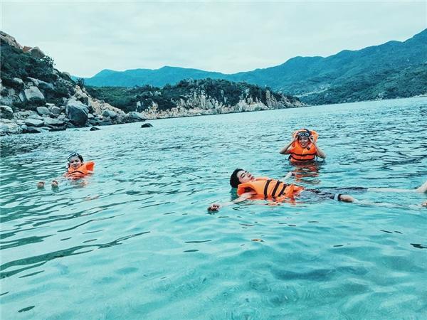 Sốt điên đảo với hố đá trái tim đẹp như trong phim ở Việt Nam