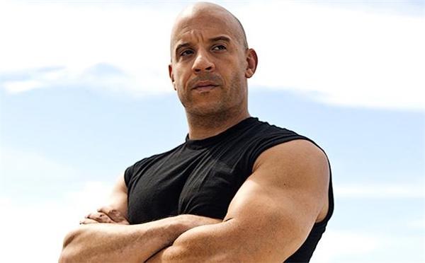 """Với vóc dáng lực lưỡng và khả năng làm việc quần quật như động cơ được tra dầu diesel, anh chàng được gọi bằngcái tên """"Vin Diesel""""."""