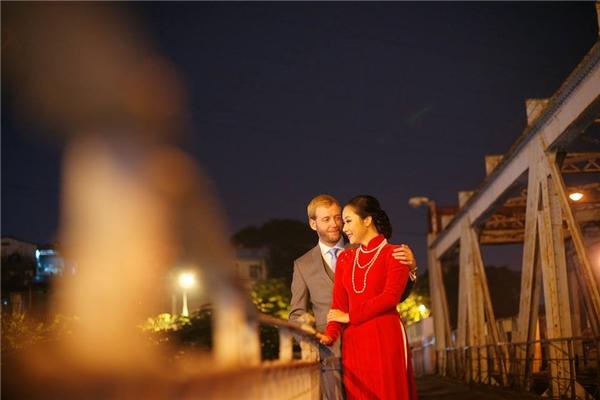 Người đẹp thường xuyên chia sẻ những hình ảnh hạnh phúc bên người chồng ngoại quốc. - Tin sao Viet - Tin tuc sao Viet - Scandal sao Viet - Tin tuc cua Sao - Tin cua Sao