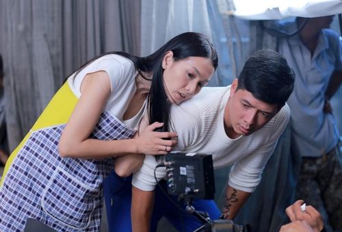 Ngoài ra, đây cũng là bộ phim điện ảnhđầu tiênđánh dấu sự kết hợp giữa Bình Minh và Anh Thư sau 10 năm là đồng nghiệp của nhau trên sàn diễn thời trang.