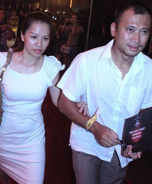 Thu Lan – nữ BTV duyên dáng trong chương trình Làm đẹp chính là bạn đời của MC Long Vũ. - Tin sao Viet - Tin tuc sao Viet - Scandal sao Viet - Tin tuc cua Sao - Tin cua Sao