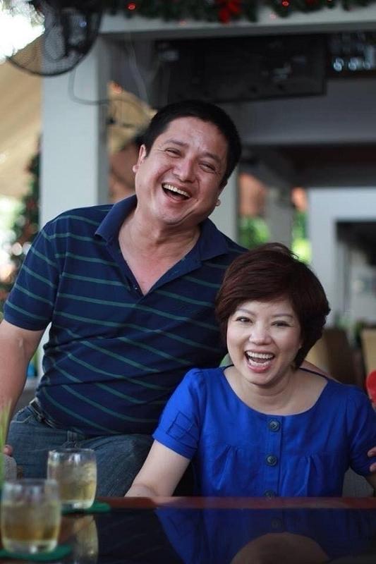 """Cuối năm 1978, đầu năm 1979, Chí Trung bắt đầungỏ lời yêu Ngọc Huyền. Tính đến nay cặp đôiđã chung sống gần40 năm nhưng """"Táo Giao thông"""" chia sẻ hai vợ chồng chưa từng một lần nghĩ tới chuyện buông tay. - Tin sao Viet - Tin tuc sao Viet - Scandal sao Viet - Tin tuc cua Sao - Tin cua Sao"""