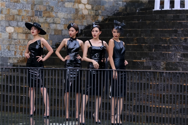 Lily Nguyễn(bìa phải) trong thử thách phụ.