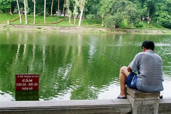 Chúng tôi vẫn cứ thích câu cá ở đây.(Ảnh: Internet)