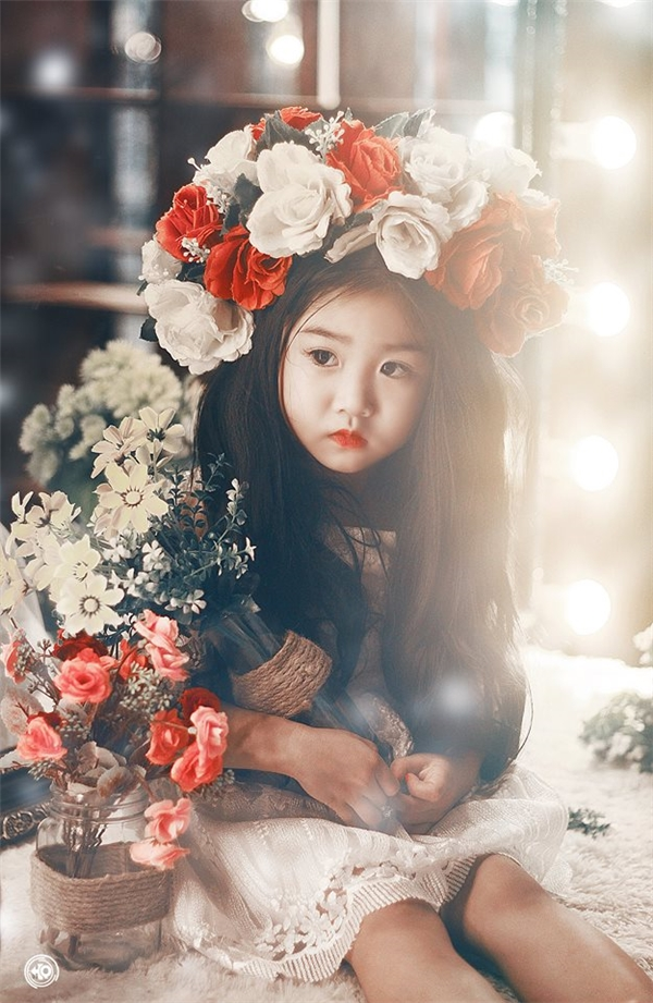 Mê mẩn ngắm gương mặt xinh như hoa hậu của cô bé cao nguyên