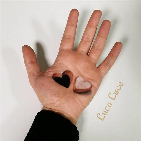 """Có ai muốn nhận """"trái tim"""" này? (Ảnh: Luca Luce)"""