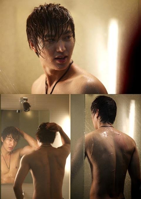 Nhờ vào thân hình mà Lee Min Ho càng trở nên quyến rũ.