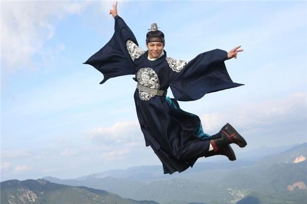 Phát cuồng với hình ảnh Park Bo Gum nằm lên đùi Kim Yoo Jung
