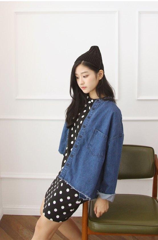 Cô nàng hiện là người mẫu tự do và làlàdiễn viên trực thuộcKeyeast Entertainment.