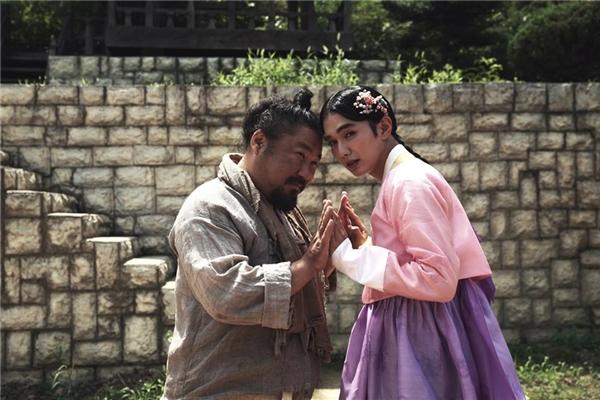 Hình tượng chưa từng có từ trước đến nay của Yoo Seung Ho. (Ảnh: Internet)