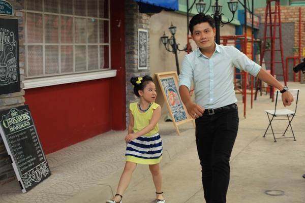 """Nói về Những điều con yêu, nhạc sĩ Nguyễn Văn Chung chia sẻ: """"Xuất phát từ tình yêu của một người cha dành chocon của mình, album được tôisáng tác với mong muốn sẽ mang đến những điều mới lạ, bổ ích, giáo dục các bé ngay từ khi còn nhỏ""""."""