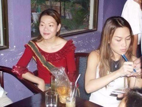 Những hình ảnh hiếm hoi của chị gái Mỹ Tâm mà người hâm mộ thấy được chỉ đếm trên đầu ngón tay. - Tin sao Viet - Tin tuc sao Viet - Scandal sao Viet - Tin tuc cua Sao - Tin cua Sao