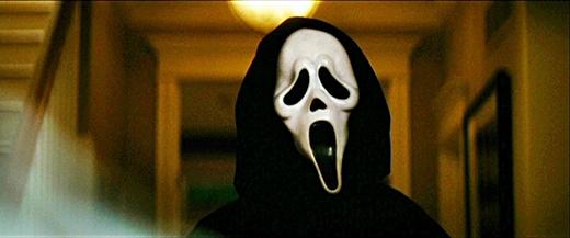 Nhà thiết kế chia sẻ chiếc mặt nạ Ghostfacelà khuôn mặt của một người vừa khóc vừa cười, thể hiện nhiều cảm xúc điên loạn.
