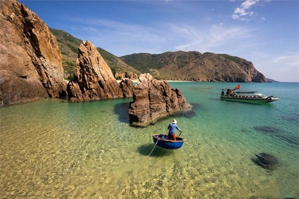 Du lịch Quy Nhơn - Giới trẻ thích thú khám phá thiên đường biển mới nổi Kỳ Co hoang sơ, kỳ bí