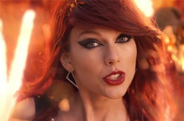 """Hiện giờ, người hâm mộ tội nghiệp Taylor vì bị nhiều sao chỉ trích cùng lúc, vậy có ai tội nghiệp Katy Perry khi cô bị Taylor và nhóm bạn thân bêu riếu công khai trong """"Bad Blood""""?"""