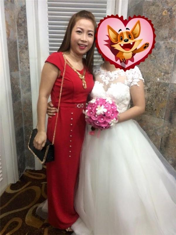 Lần này, chị Huệ về nước với mục đích tham dự đám cưới em gái cũng như thăm gia đình, bạn bè. (Ảnh FBNV)