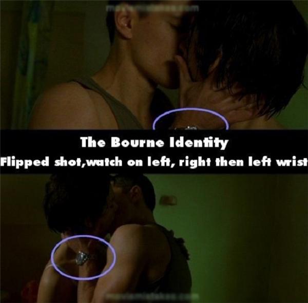 Đồng hồ thay đổi từ tay phải sang tay trái khi chuyển góc quay trong phim The Bourne Identify.
