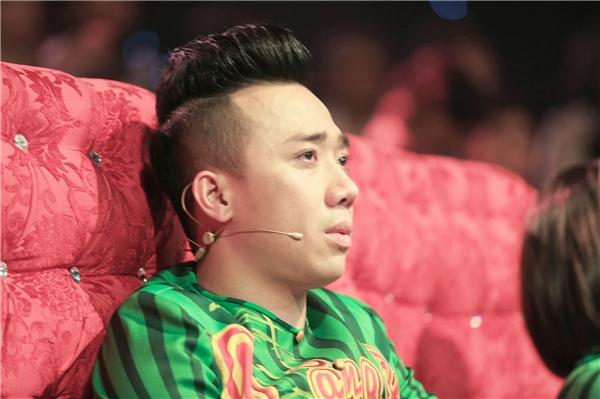 Việt Hương, Trấn Thành xúc động bật khóc trên ghế nóng