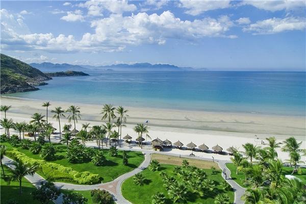 """Du lịch Nha Trang - Mê mẩn trước vẻ đẹp """"bãi tắm đôi"""" duy nhất ở Việt Nam"""