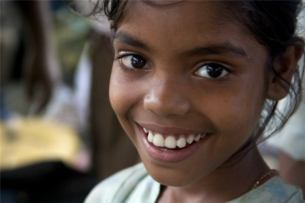 """Trưởng nhóm Sarika chia sẻ: """"Phá thai nữ nhi đang là một vấn nạn ở Ấn Độ. Nhưng chúng tôi tin rằng không chỉ riêng tại Ấn Độ, mà đây là vấn đề mang tính toàn cầu, có thể xảy ra ở bất cứ nơi nào""""."""