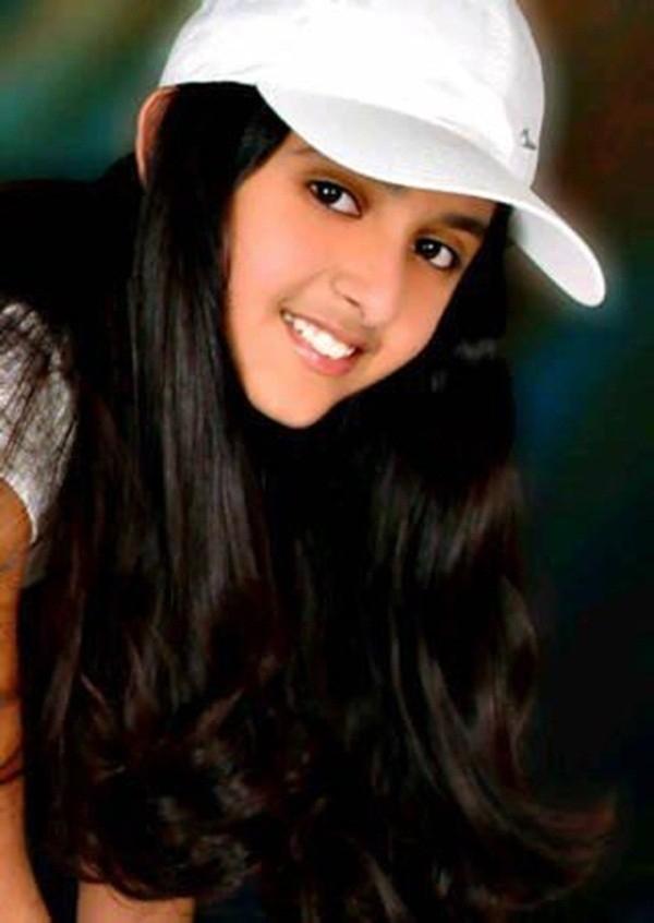 Công chúa Shaikha cũng sinh năm 1992 và cũng là cái tên nổi bật không kém chị mình. Từ nhỏ công chúa được rất nhiều người hâm mộ hoàng gia Dubai biết đến nhờ nét đẹp xinh xắn và năng động.