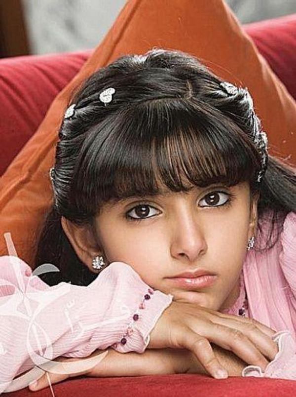 Công chúa Salama sinh năm 1999 sở hữu nét đẹp mê hồn có phần cao lãnh lạnh lùng thu hút mọi ánh nhìn.