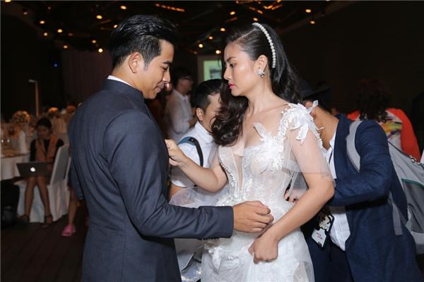 Chiếc váy của Ngọc Lan có kiểu dáng cổ điển, mang phong cách công chúa. - Tin sao Viet - Tin tuc sao Viet - Scandal sao Viet - Tin tuc cua Sao - Tin cua Sao