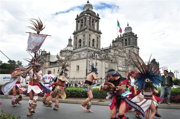 Vũ hội đường phố tại Mexico
