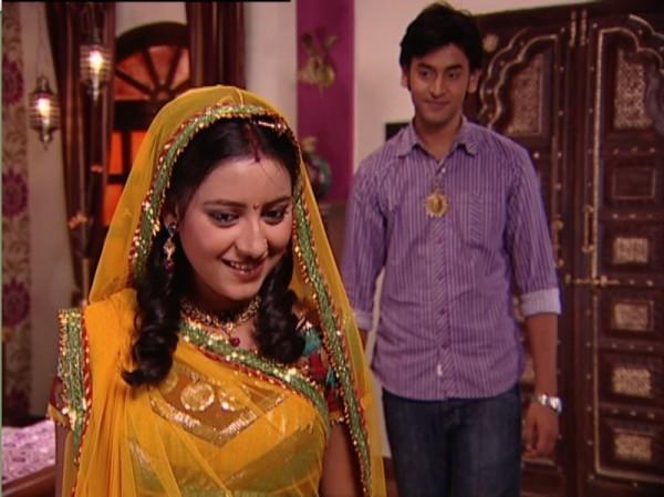 Anandi quay trở lại nhà Jagdishvà tình cảm hai người trở nên tốt đẹp