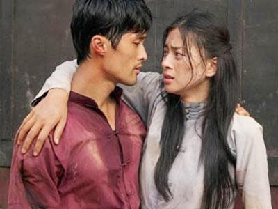 Năm 2007, Ngô Thanh Vân đã có bước đột phá ngoạn mục trong vai Thúy yêu nước, mạnh mẽ. Bộ phimđã giúp cô đoạt giải Nữ diễn viên chính xuất sắc nhấttại Liên hoan phim Việt Nam lần thứ 15. - Tin sao Viet - Tin tuc sao Viet - Scandal sao Viet - Tin tuc cua Sao - Tin cua Sao