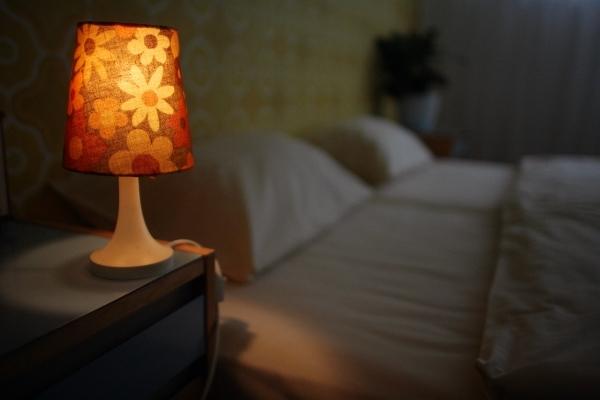 Những nguy hiểm không ngờ đằng sau thói quen sử dụng đèn ngủ