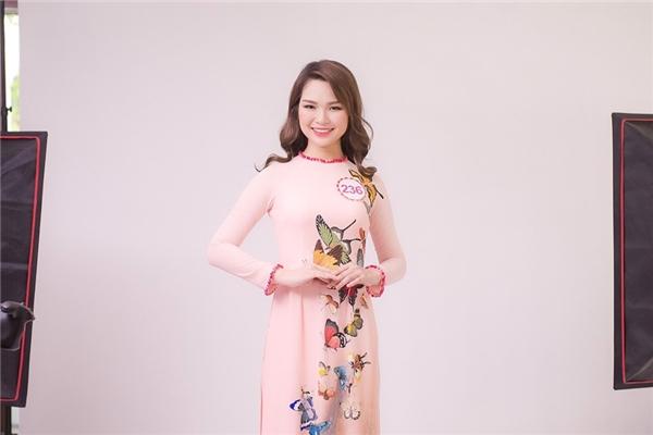 Phan Thu Phương (SBD 236) năm nay 19 tuổi, đến từ Hà Nội. Cô từng giành chiến thắng tại cuộc thi Hoa khôi Đại học Thuỷ Lợi 2016.