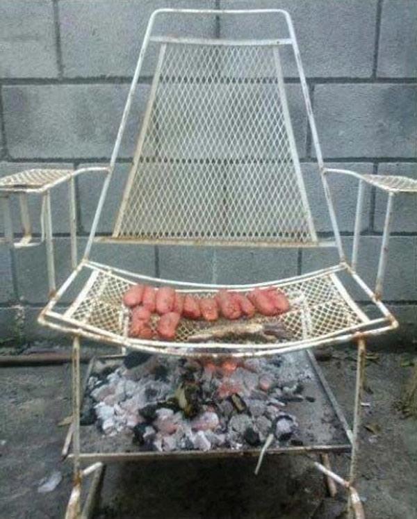 Khi nướng xong chắc ghế sẽ có mùi xông khói.