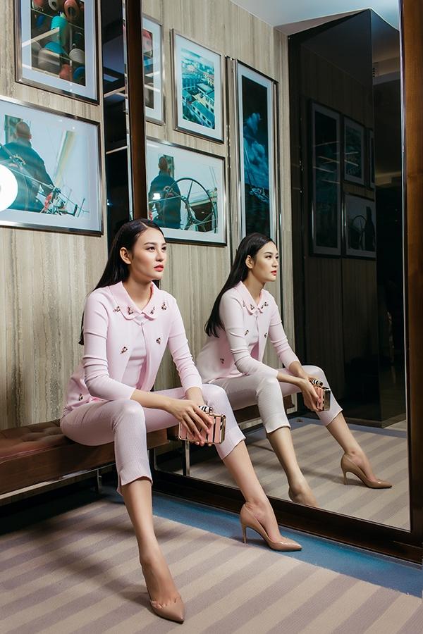 Phan Hà Phương gợi ý 9 set đồ thanh lịch, tinh tế