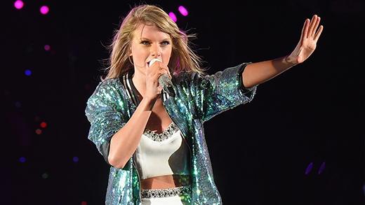 Nhờ vào thói quen kì quặc này mà đã giúp Taylor đem về hàng loạt giải thưởng âm nhạc danh giá.
