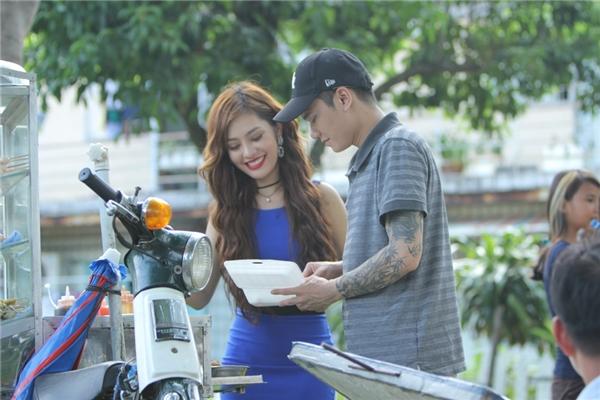 Đa số cácbình luận đều là những lời khen cho Khắc Việt vàai cũng nói rằng phim ngắn của Việt đã lấy được nước mắt khán giả.