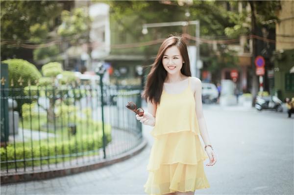 Tranh thủ thời gian này, Võ Hạ Trâm đã ghi lạinhiều khoảnhkhắc kỉniệm với không gian, đường phố Hà Nội do người bạn thân của cô cầm máy.