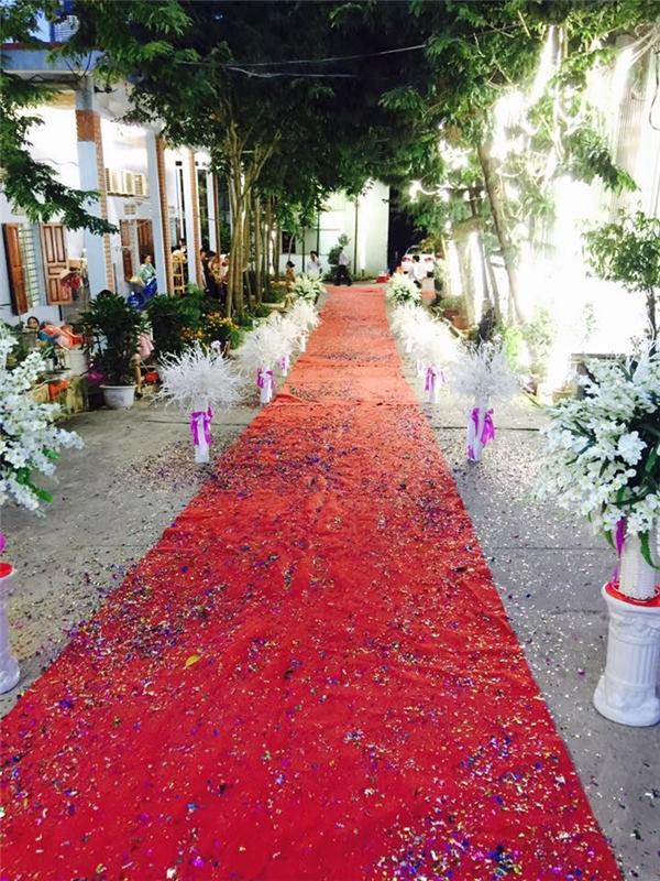 Cận cảnh dàn xe rước dâu và nơi tổ chức đám cưới cực hoành tráng của cặp đôi. (Ảnh:Internet)
