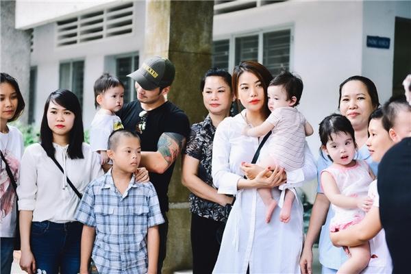 Không chỉ đảm nhận vai trò đại sứ của hàng loạt dự án từ thiện quy mô lớn, Trương Ngọc Ánh còn chủ động tổ chức các hoạt động thiết thực để có thể giúp đỡ nhiều hơn những mảnh đời bất hạnh.