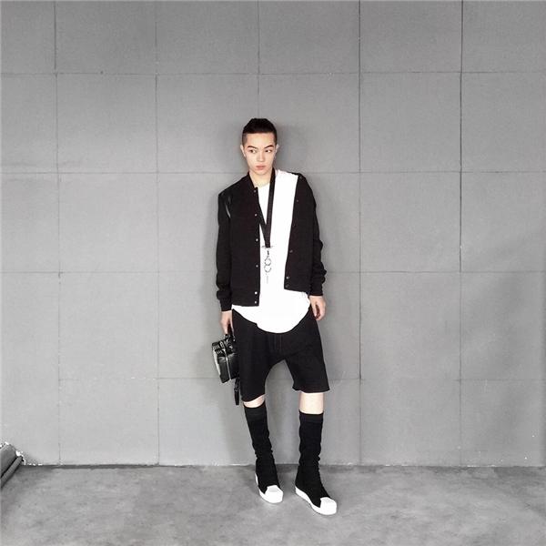 Và một Kelbin cực ngầu của năm 2016 với vai trò stylist, thiết kế, sáng tạo nổi tiếng. (Ảnh: Internet)