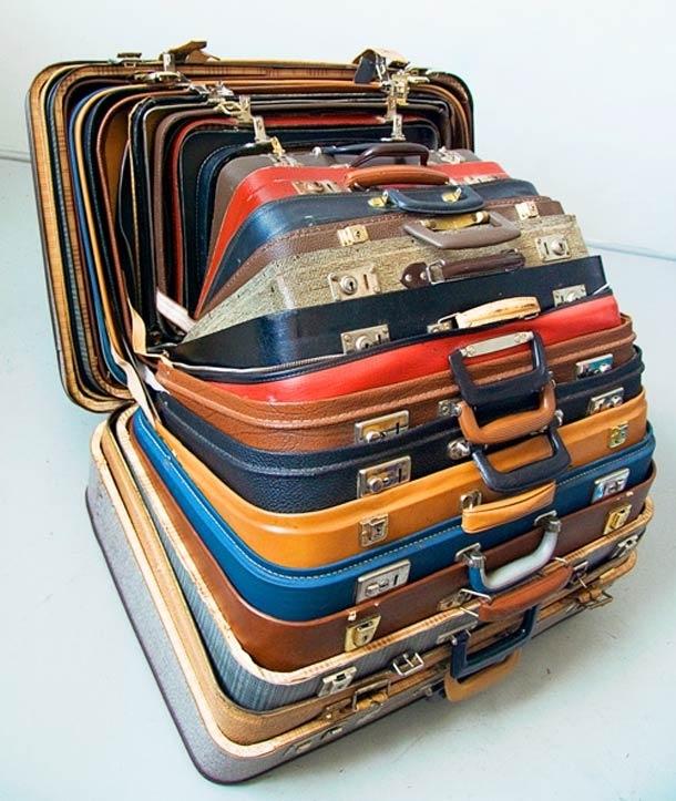 Nếu cuộc hành trình của bạn vì mục đíchmua sắm thả ga, hãy lồng một chiếc vali nhỏ vào chiếc lớn.Khi shopping thả cửa về, bạn sẽ không còn phải lo vấn đề đựng đồ vào đâu nữa.