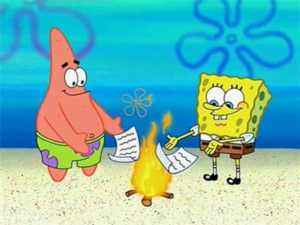 Sức mạnh nào giúp 2 anh bạn này có thể đốt lửa để sưởi ấm trong nước như thế? Quả là vi diệu.
