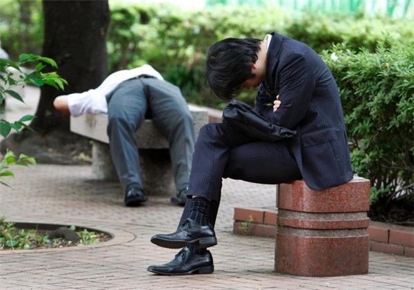 Người Nhật tin rằng việc bạn chợp mắt đôi chút là minh chứng cho sự chăm chỉ chứ không phải lười biếng.